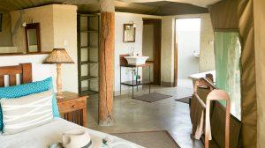 The Hide Main Lodge Accomodation